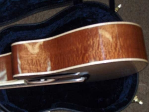 Larrivee Custom LV-10E, Quilted Sapele and Red Sitka Spruce 003, Mahogany/Spruce-9