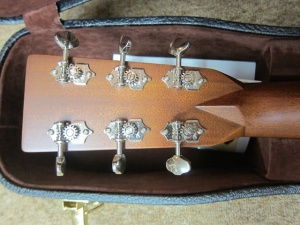 Martin HD-28V, East Indian Rosewood/Sitka Spruce! Forward-Shifted, Hand-Shaved Braces