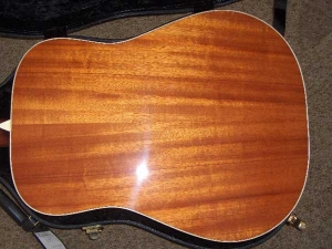 Larrivee D-05, Hahogany and Spruce Dreadnought-9