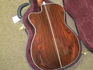 Martin Custom 000-28V, Cutaway, Amazon/Italian Alpine, Fishman Matrix Infinity Pickup