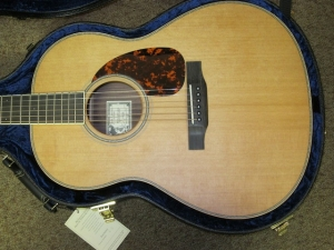 Larrivee Custom L03, Cedar/East Indian Rosewood