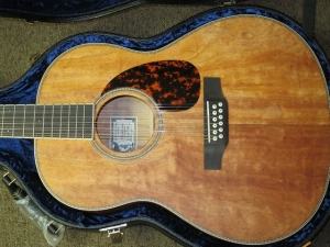 Larrivee Custom L03-12 String, All Quilted Mahogany!