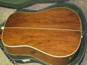 Martin D28 Authentic 1937, Madagascar/Adirondack