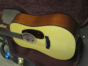 Martin D-18 Golden Era/Adirondack Spruce top/ Mahogany back and sides !