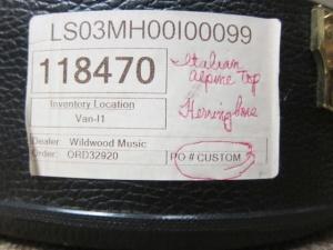 Larrivee Custom LS-03 Italian Alpine top / Mahogany back and sides !