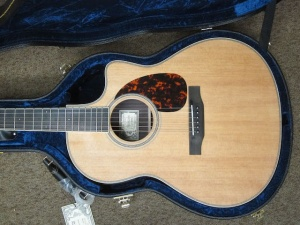 Larrivee Custom LV-03E Red Sitka Spruce top/ Rosewood back and sides !