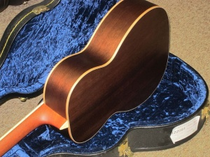 Larrivee Custom P03- Italian Alpine top / Peruvian Walnut back and sides !